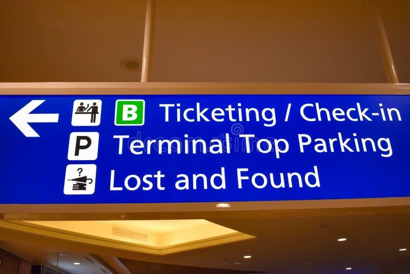 Hoogste mening van Eindb-Etikettering en Controleteken in Orlando International Airport 1 royalty-vrije stock afbeeldingen