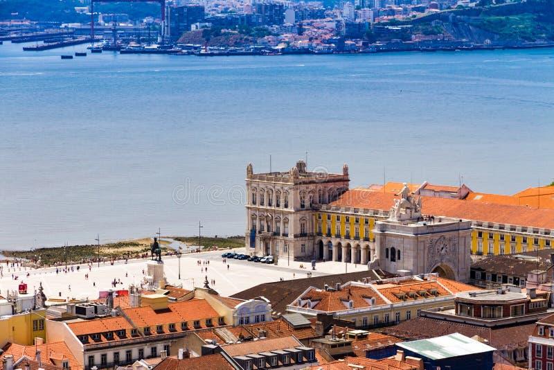Hoogste mening van Handelsvierkant in Lissabon van de binnenstad, Portugal stock fotografie