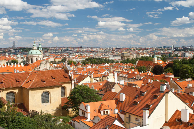 Hoogste mening van het Hradcany-district van Praag royalty-vrije stock foto's
