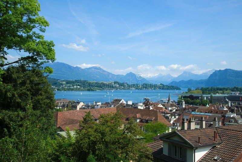 Hoogste mening van het meer Luzerne Vierwaldstättersee en de Alpen stock fotografie