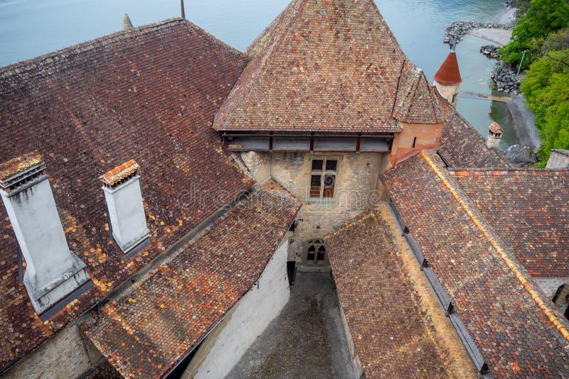 Hoogste mening van rood tegelsdak van chateau DE chillon, Montreux, Zwitserland, stock afbeelding