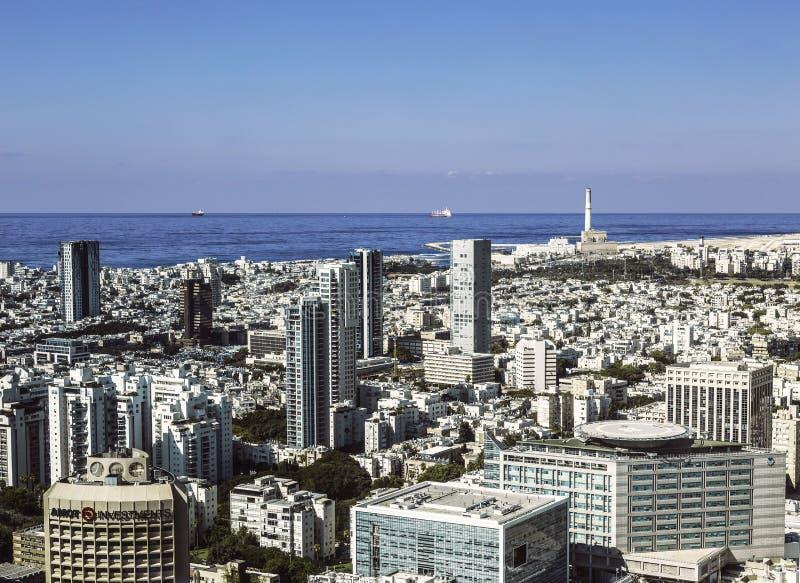 Hoogste mening van Tel Aviv van het observatiedek van het ronde centrum van torenazriel stock afbeeldingen