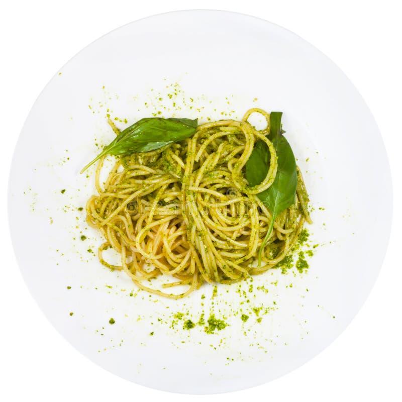 Hoogste meningsspaghetti die met pesto wordt gemengd stock foto