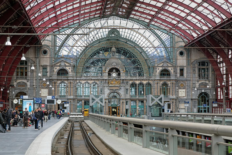 Hoogste niveau van het Centrale station van Antwerpen stock fotografie
