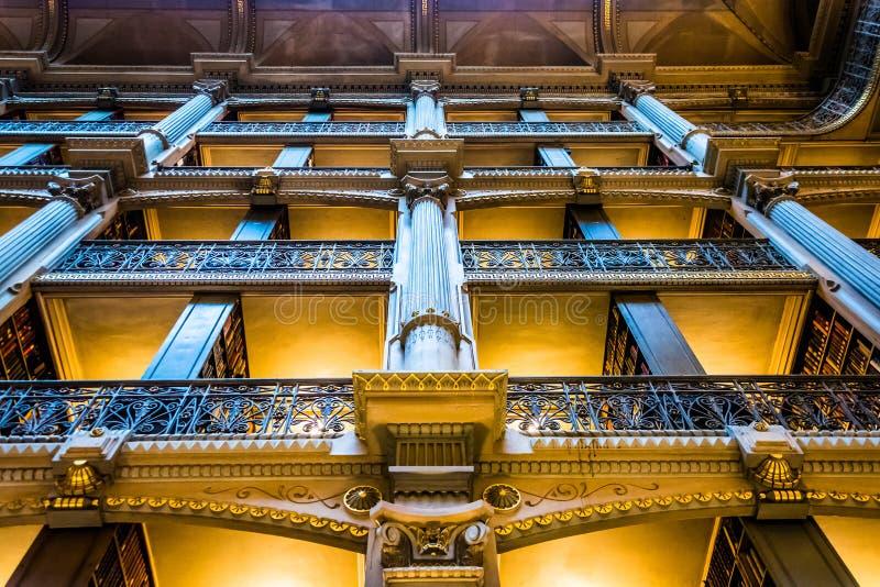 Hoogste niveaus van de Peabody-Bibliotheek in Mount Vernon, Baltimore, royalty-vrije stock afbeeldingen