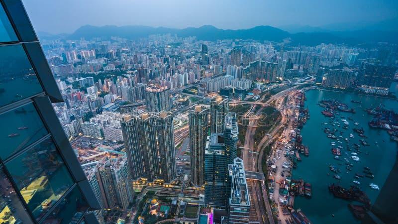 Hoogste Weergeven van ZeehavenVrachtvervoerder in Hong Kong stock afbeeldingen