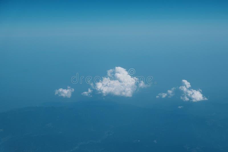 Hoogste wolkenachtergrond stock foto