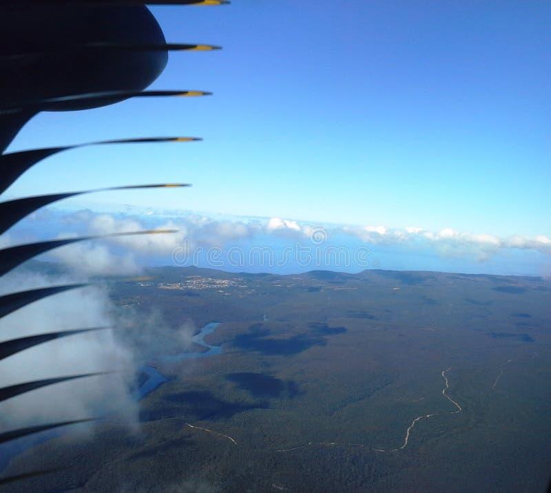 Hoogte boven de wolken luchtmening stock fotografie