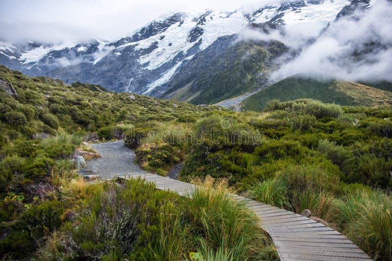 Hooker-Tal-Bahn, einer der populärsten Wege in Aoraki-/Mtkoch National Park, Neuseeland lizenzfreie stockfotografie
