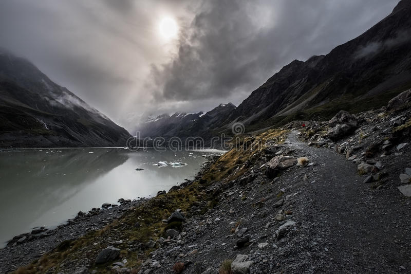 Hooker-Tal-Bahn, einer der populärsten Wege in Aoraki-/Mtkoch National Park, Neuseeland stockbild