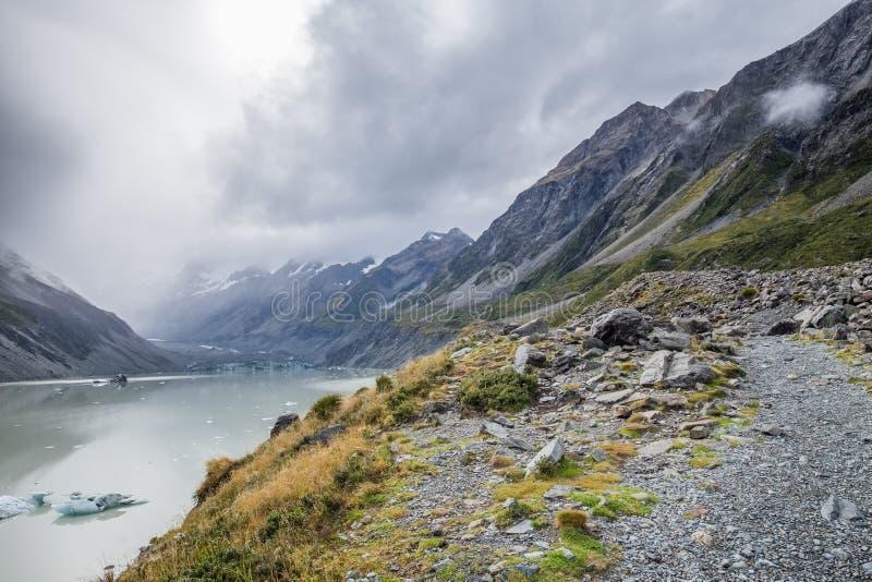 Hooker-Tal-Bahn, einer der populärsten Wege in Aoraki-/Mtkoch National Park, Neuseeland lizenzfreies stockbild