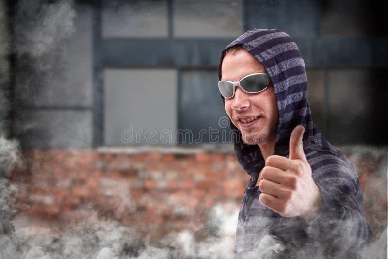 Hooligan nos óculos de sol imagem de stock