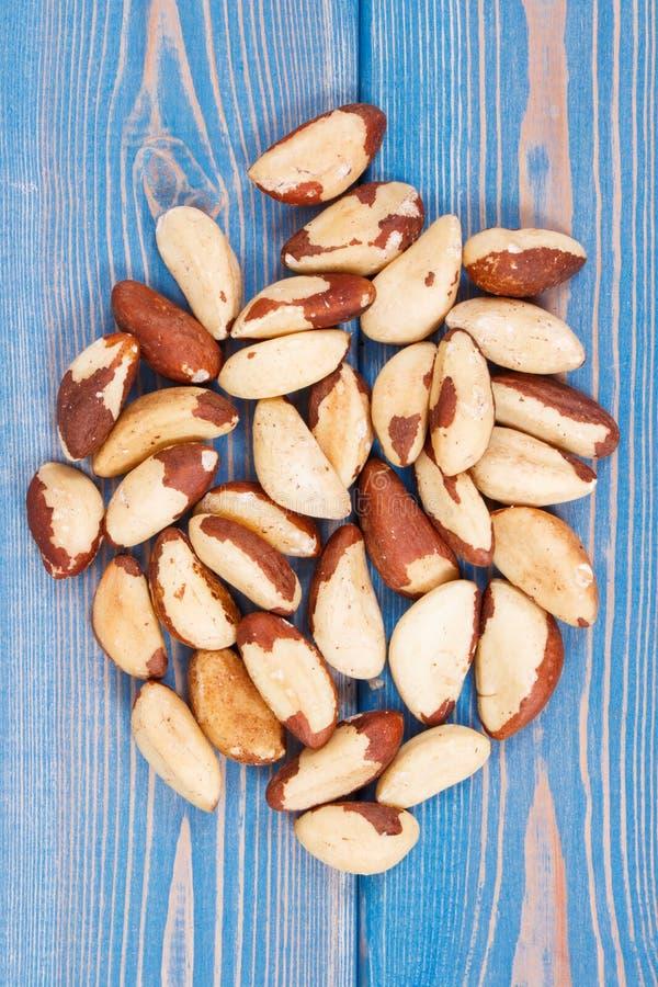 Hoop van paranoten als bron van natuurlijke mineralen en vitamine stock afbeeldingen