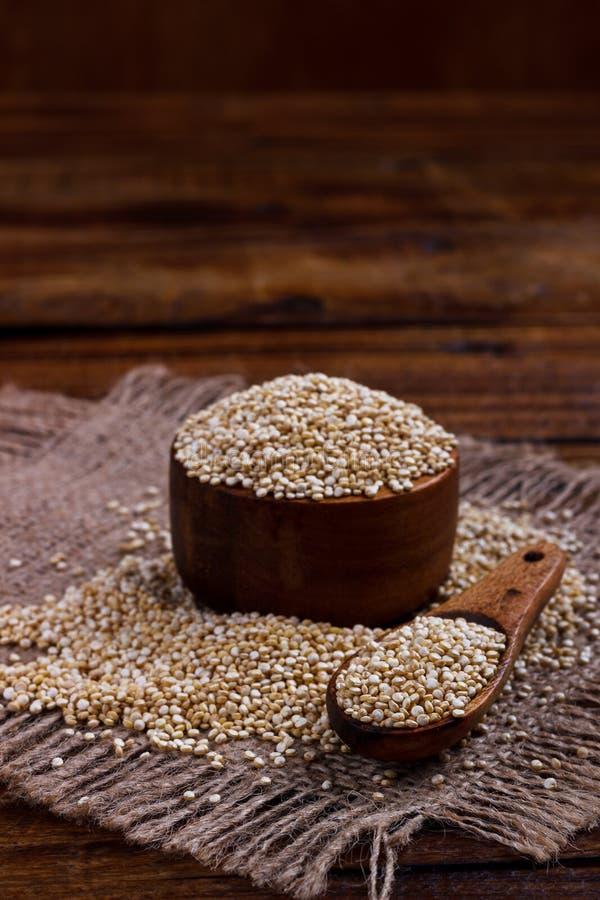 Hoop van quinoa zaden royalty-vrije stock foto