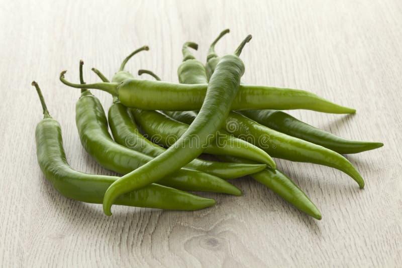 Hoop van verse groene Spaanse peperpeper stock afbeelding