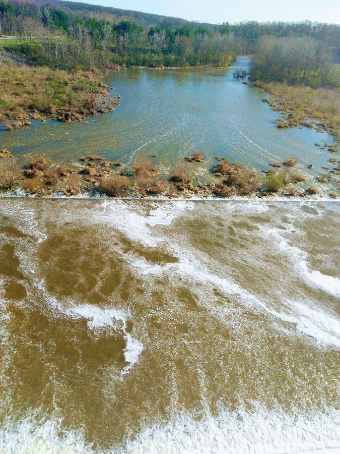 Download Hoover-Fluch stockbild. Bild von querneigung, loch, steuerbares - 90230537