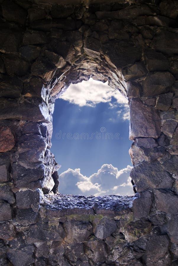hope till fönstret arkivbild