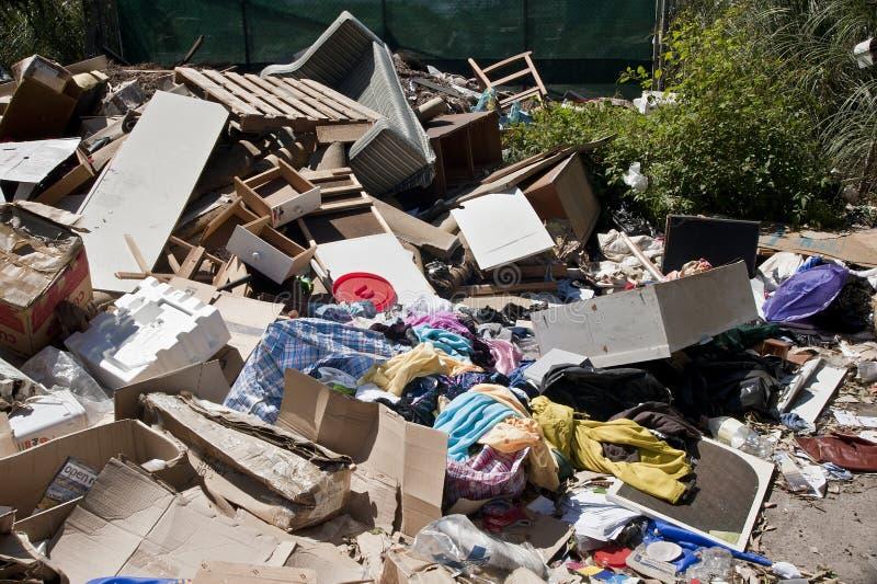 Hopen van gedumpt afval royalty-vrije stock foto