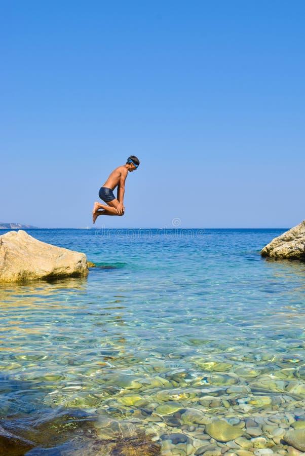 hoppa havet royaltyfri fotografi