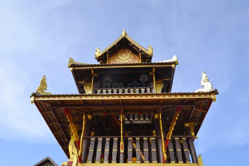 Hor Rakhangbell torn Wat Si Po Chai område för Na Haeo, Loei landskap, Thailand arkivfoton