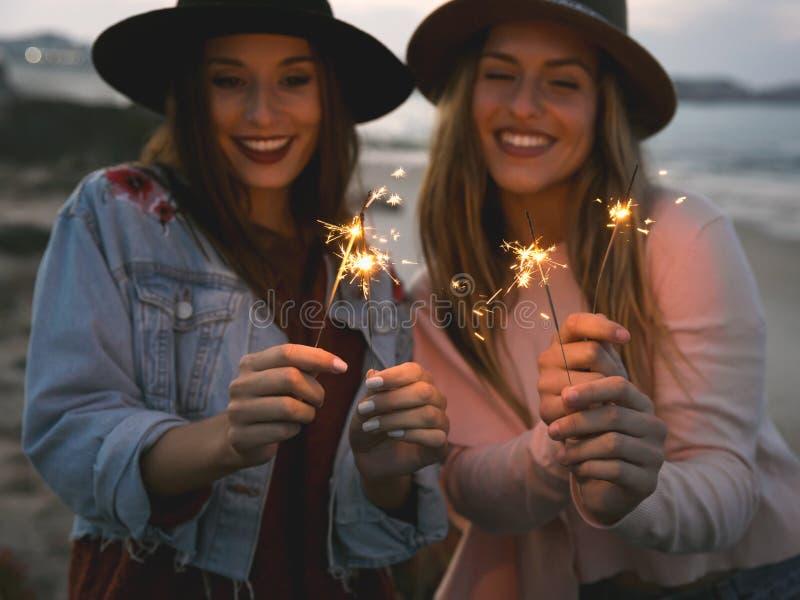 Hora de celebrar felicidad foto de archivo libre de regalías