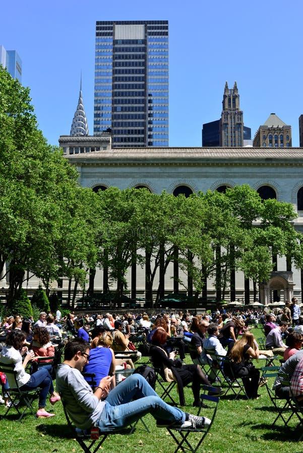 Hora de la almuerzo en el parque de Bryant imágenes de archivo libres de regalías