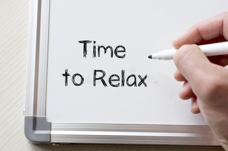 Hora de relaxar escrito no whiteboard fotografia de stock royalty free