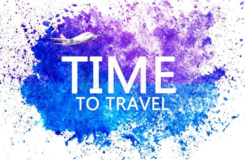 Hora de viajar Rotulação no ponto azul da aquarela no papel da aquarela Ponto azul abstrato no fundo branco gota da tinta ilustração do vetor