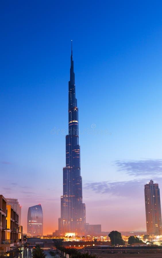 Hora do azul de Burj Al Khalifa fotos de stock