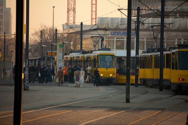 Hora punta de la mañana en Berlín fotos de archivo libres de regalías