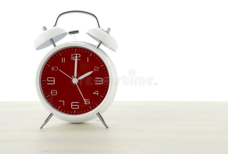 Horario de verano con el despertador retro del estilo foto de archivo libre de regalías