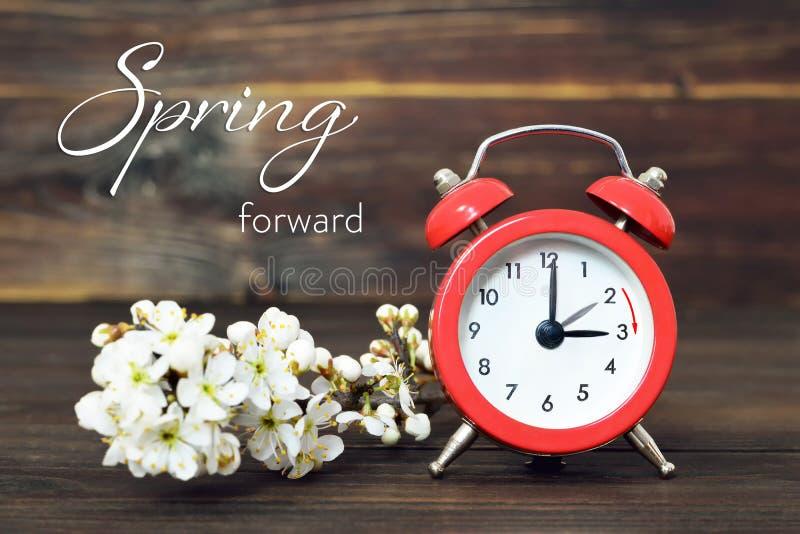 Horario de verano, primavera adelante, cambio del tiempo de verano imagen de archivo libre de regalías