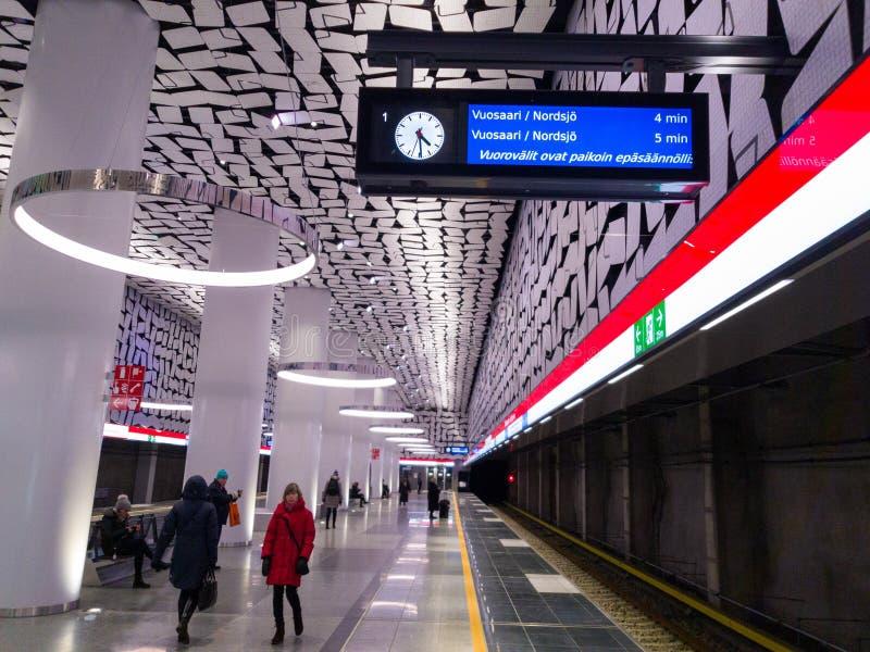 Horario y retrasos del metro de Irrelugar en el metro de Helsinki/de Espoo foto de archivo