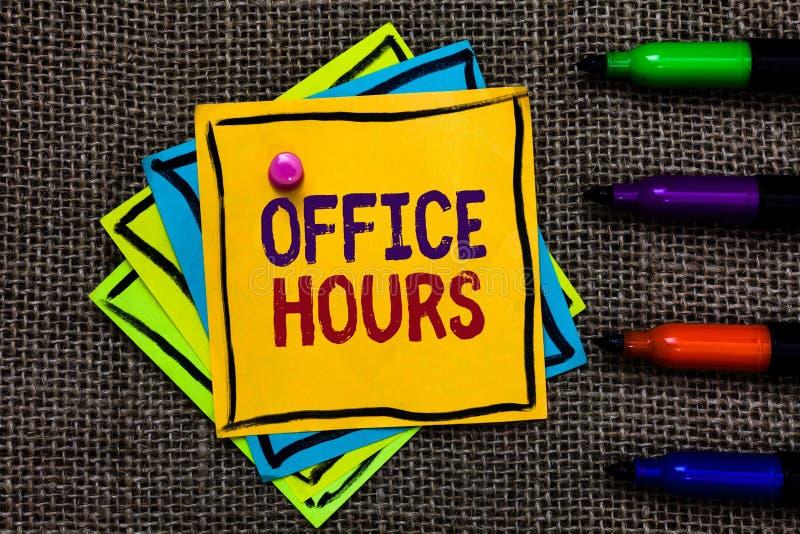 Horas de escritório do texto da escrita da palavra O conceito do negócio para as horas que o negócio é normalmente papel conduzid foto de stock royalty free