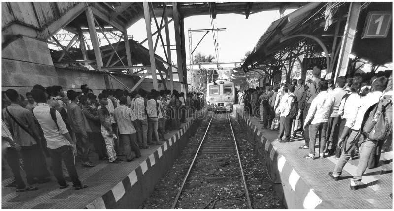 Horas de ponta das estradas de ferro do indiano imagens de stock royalty free
