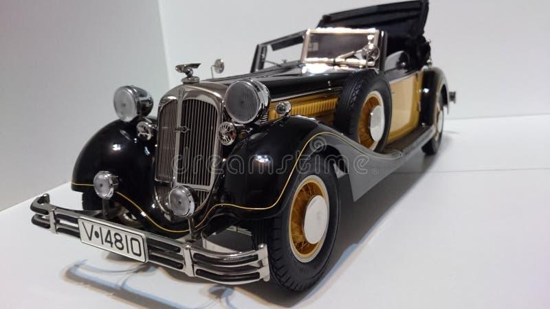 Horch 853 retro klasyk - ciskający szalkowy wzorcowy samochód zdjęcie royalty free