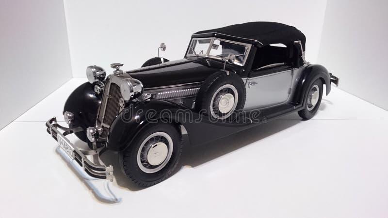 Horch 853 retro klasyk - ciskający szalkowy wzorcowy samochód obraz stock