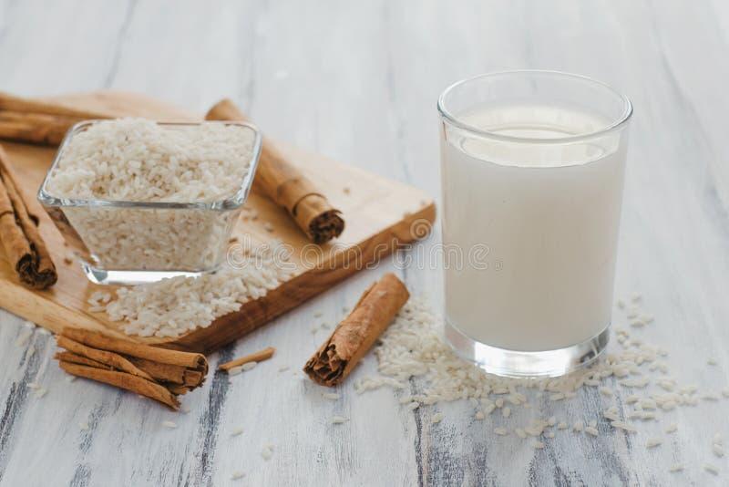 Horchata è una bevanda, fatta con riso e cannella dal Messico, bevanda messicana fotografia stock libera da diritti