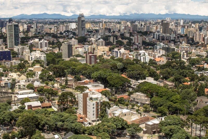 Horisont av Curitiba arkivfoton