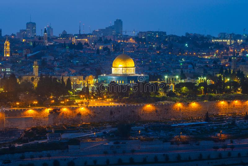 Horisont av den gamla staden av jerusalem, Israel royaltyfri bild