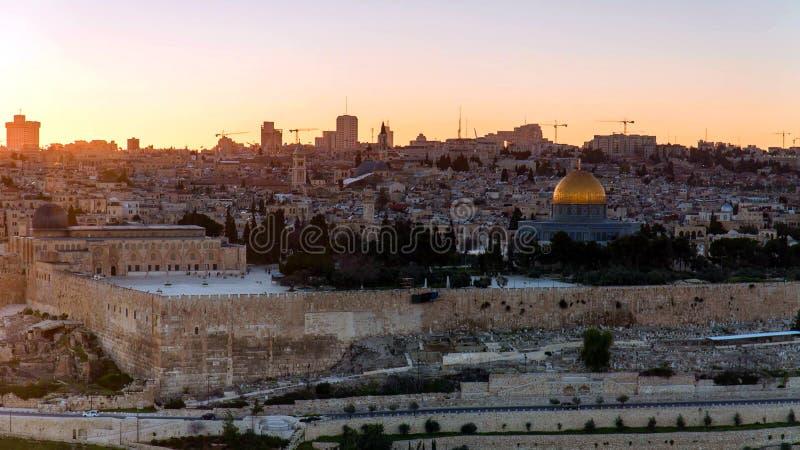 Horisont av den gamla staden på den västra vägg- och tempelmonteringen i Jerusalem, Israel arkivfoton
