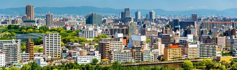 Horisont av den Osaka staden i Japan royaltyfri bild