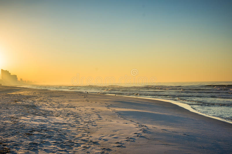 Horisont av den Panama City stranden, Florida på soluppgång royaltyfri foto