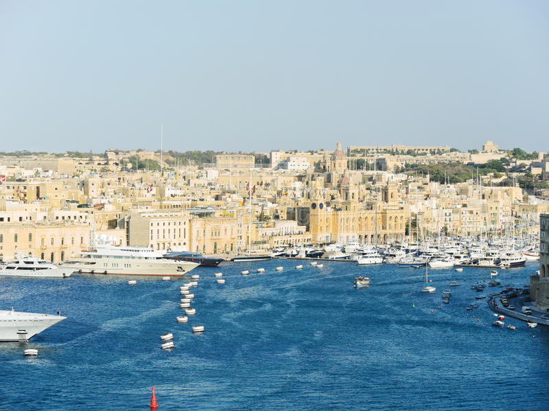 Horisont av den Valletta staden, Malta arkivbild