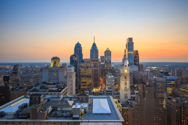Horisont av i stadens centrum Philadelphia fotografering för bildbyråer