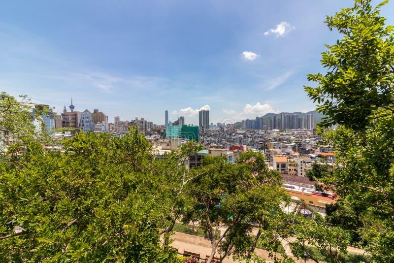 Horisont av Macao täckte vid vegetation, sikt från Monte för att göra forte- Santo António Macao, Kina askfat arkivbilder