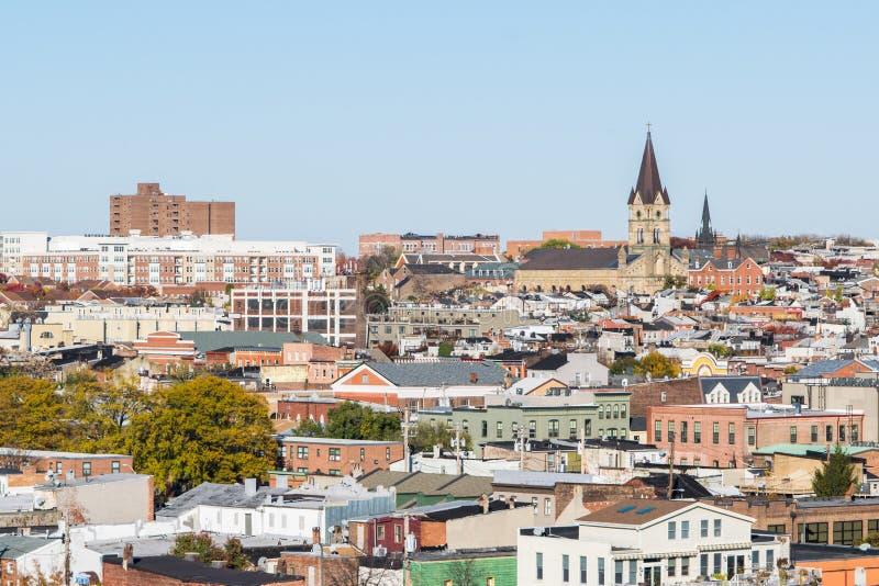 Horisont av norr avverkningpunkt och Patterson Park i Baltimore, mor royaltyfri bild