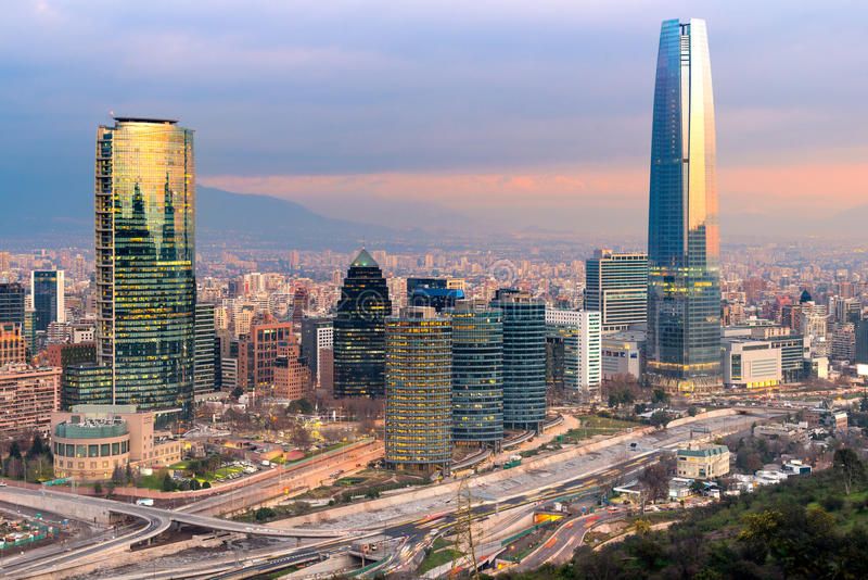 Horisont av Santiago de Chile royaltyfri foto