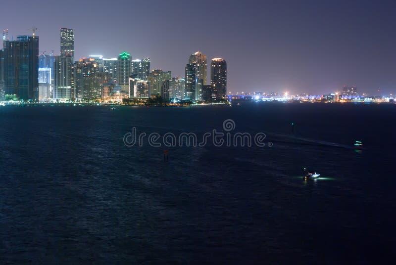 horisont för port för bayfrontmiami natt arkivbilder