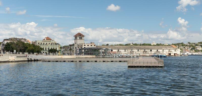 Horisont och port i havannacigarren, Kuba arkivbild